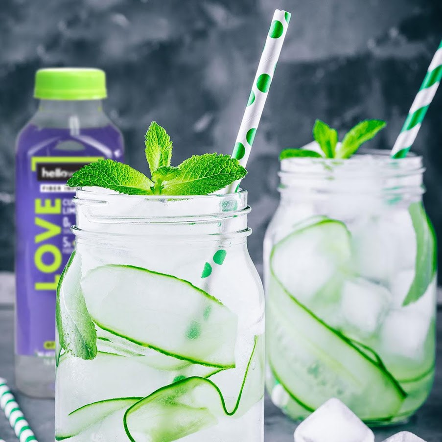 Cocktails and Mocktails with hellowater